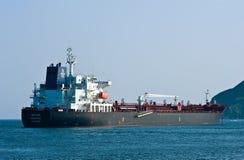 De Lynx van tankerbw in de wegen wordt verankerd die De Baai van Nakhodka Van het oosten (Japan) het Overzees 01 08 2014 Royalty-vrije Stock Fotografie
