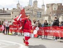 De maagdelijke Marathon van Geldlonden 24 April 2016 Royalty-vrije Stock Foto