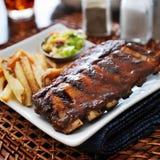 De maaltijd van de barbecuerib met kanten stock afbeelding
