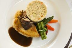 De maaltijd van het kippenhoofdgerecht. Royalty-vrije Stock Foto's
