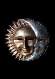 De maan die de zon kust stock afbeeldingen