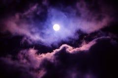 De maan op de donkere hemel Stock Fotografie