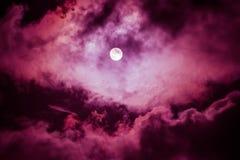 De maan op de donkere hemel Royalty-vrije Stock Foto