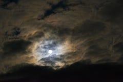 De maan op het meest dichtbijgelegen punt aan de aarde in Januari 2018 Stock Foto