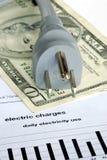 De maandelijkse elektrische rekening is zeer duur Stock Afbeelding