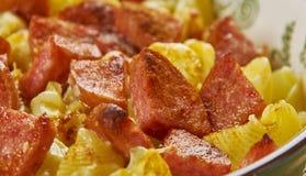De Macaronikaas van de Andouilleworst stock afbeeldingen
