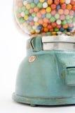 De machine van Gumball van een oude opslag in 1950 Stock Fotografie