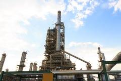 De macht en de energiefabriek van de olieraffinaderij royalty-vrije stock afbeelding
