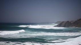 De macht van de Atlantische Oceaan stock footage