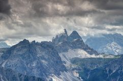 De machtige pieken van Drei Zinnen Tre Cime in Dolomiti-Di Sesto Italy Royalty-vrije Stock Foto