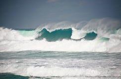 De machtige wateren van de Atlantische Oceaan Royalty-vrije Stock Foto's