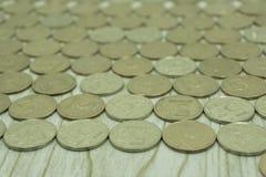 De machtsrijken muntstukken van de achtergrondmetaal monetaire betaling, royalty-vrije stock foto
