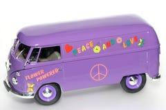 De machtsstuk speelgoed van de bloem de bus van VW Stock Foto