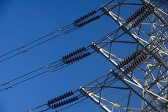 De machtstransmissie van de elektriciteit Stock Foto's