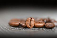 De macro van koffiebonen of sluit omhoog Stock Foto