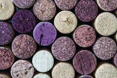 De macromening van gebruikte wijnfles kurkt stock afbeeldingen