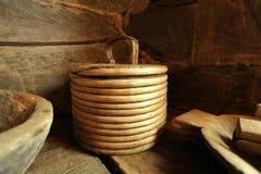De madera antiguo de los utensilios de madera antiguos Imagen de archivo libre de regalías