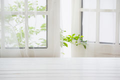 De madera sobre fondo de la ventana del verano Imagen de archivo libre de regalías