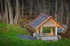 De madera viejo bien del agua Foto de archivo libre de regalías