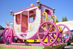 De magische Parade van Koningen, roze paard Royalty-vrije Stock Afbeeldingen