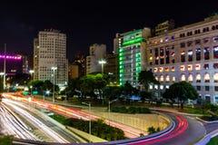 23 de maio Avenue a Sao Paulo, Brasile alla notte - sao Paulo Lights - esposizione lunga immagini stock