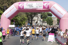 17 de maio de 2015 Raça para a cura, Roma Italy Raça contra o câncer da mama Fotografia de Stock