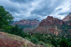 De majesteit van Zion National Park royalty-vrije stock afbeeldingen