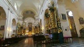 De majestueuze kerk van St Florian binnen stock videobeelden