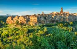 De majestueuze stad op de rots, Pitigliano, Toscanië, Italië Royalty-vrije Stock Afbeeldingen