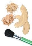 De make-up van het poeder en van de stichting met borstel Royalty-vrije Stock Foto's