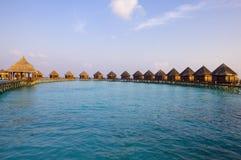 De Maldiven. Villa op stapels op water in de tijd su Royalty-vrije Stock Afbeeldingen