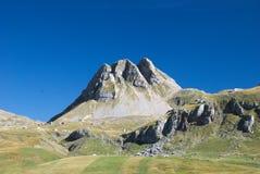 ` De Mali Zurim do ` da montanha perto do lago Kapetanovo, Montenegro Fotos de Stock