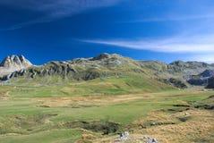 ` De Mali Zurim do ` da montanha perto do lago Kapetanovo, Montenegro Imagem de Stock Royalty Free