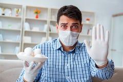 De man die aan allergie lijden - medisch concept royalty-vrije stock fotografie