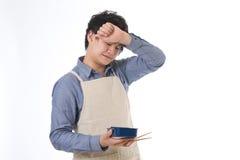 De man die een lunch kookt Stock Foto
