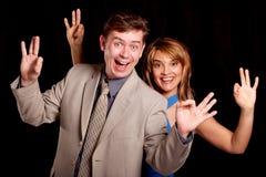 De man en de vrouw tonen o.k. royalty-vrije stock fotografie