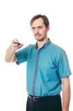 De man met een baard verandert kanalen van de Televisie Royalty-vrije Stock Afbeeldingen