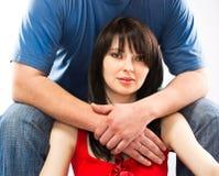 De man omhelst vrouw Royalty-vrije Stock Afbeelding