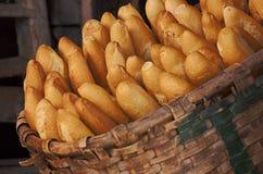 De mand van het brood Stock Afbeeldingen