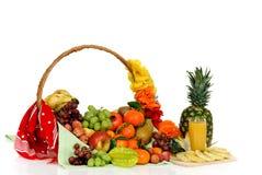 De mand van het fruit, ananassap Royalty-vrije Stock Foto