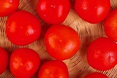 De mand van tomaten stock foto's