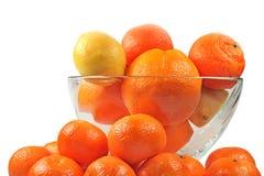 De mandarijnen en de citroen van sinaasappelen Stock Foto's