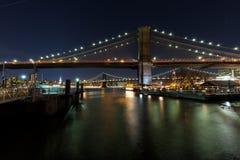 De Manhattan och Brooklyn broarna Fotografering för Bildbyråer