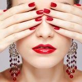 De manicure van de mooie vrouw Stock Afbeeldingen