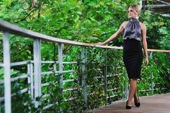 De manier van de vrouw openlucht Royalty-vrije Stock Fotografie