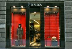 De manierboutique van Prada in Italië Royalty-vrije Stock Afbeeldingen