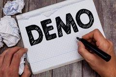 De Manifestatie van de handschrifttekst Concept die Demonstratie van een producttechnieken en mogelijkheden Openbare vergadering  royalty-vrije stock afbeeldingen