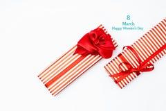 8 de março caixa de presente do dia Vista superior com espaço da cópia dia de mães concentrado Imagem de Stock Royalty Free