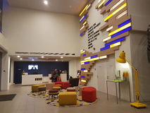 6 de março de 2017, Kuala Lumpur Os íbis denominam Kuala Lumpur Sri Damansara Hotel na noite Fotografia de Stock
