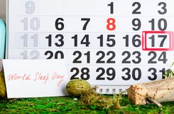 17 de março dia do sono do mundo, sonho no calendário Fotos de Stock Royalty Free